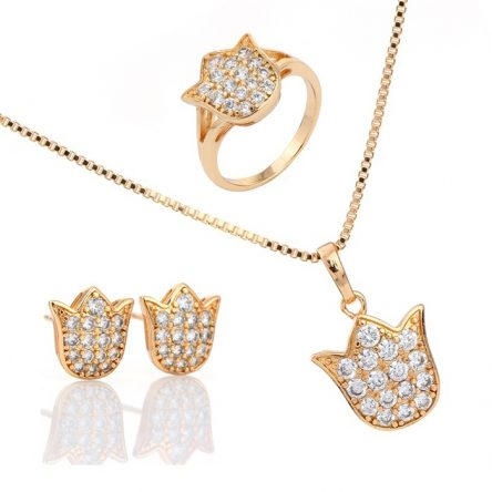 Flower Bud Shaped Yellow Gold Pendant Set
