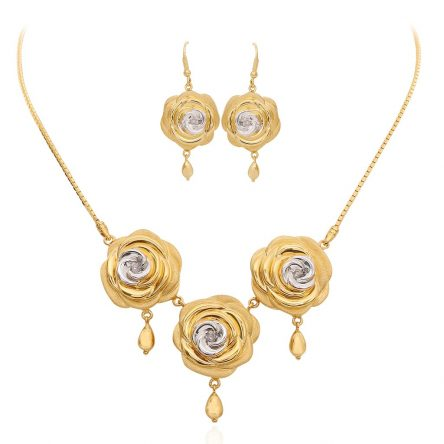 Three Roses Pendant combo in yellow gold