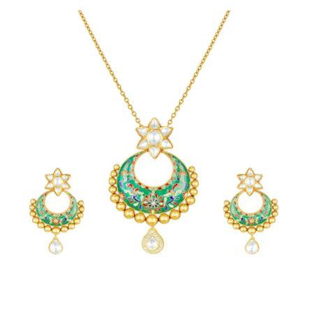 22ct Yellow Gold Studded Jewel set