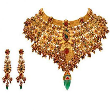Kundan Studded Rajputana With A Classic Design