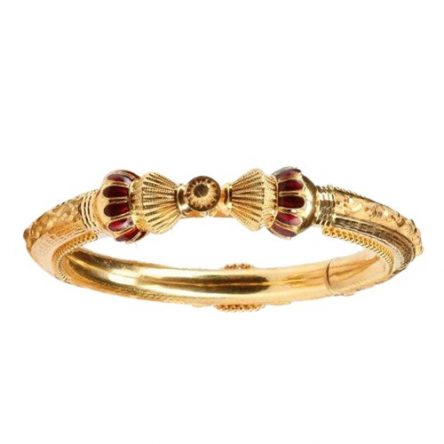 Sparkling Yellow Gold Bangle